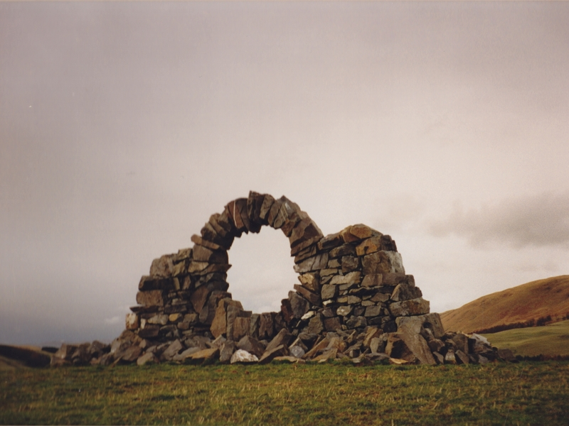 Andy_Goldsworthy_Touch_Stone_North z_800x600 (5BV)