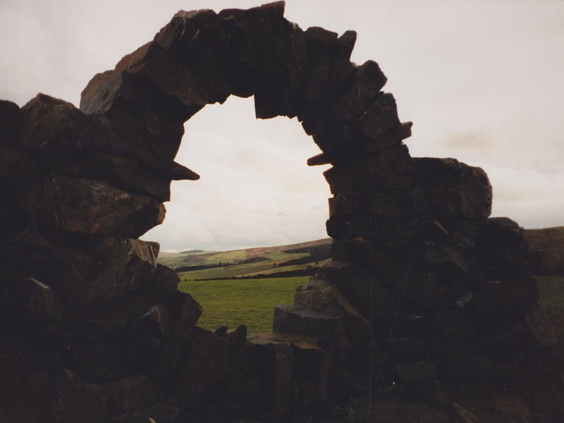 Andy_Goldsworthy_Touch_Stone_North z_800x600 (7BV)